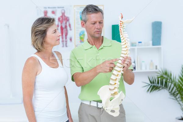 医師 解剖学の 背骨 医療 オフィス ストックフォト © wavebreak_media