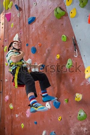 Determinato donna arrampicata fitness studio Foto d'archivio © wavebreak_media