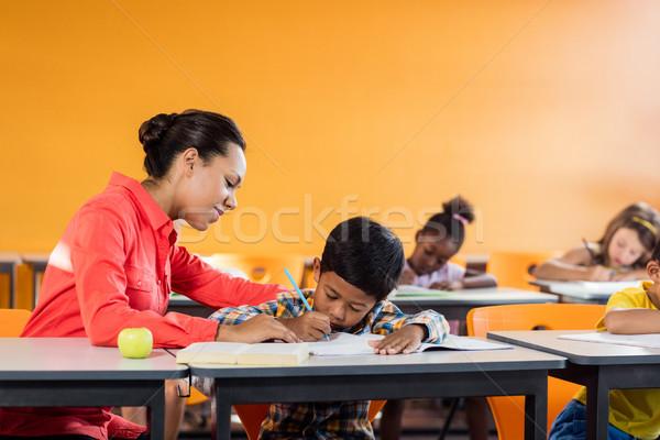 Tanár lecke diákok iskola gyermek ír Stock fotó © wavebreak_media