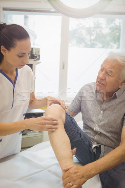 Kobiet lekarza kolano szpitala kobieta Zdjęcia stock © wavebreak_media