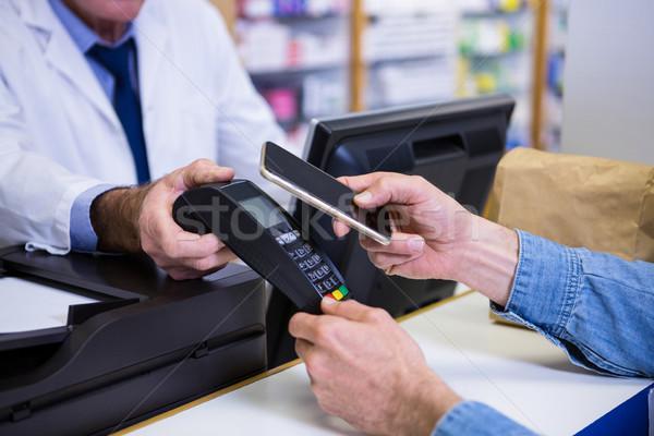 Müşteri ödeme bilgisayar adam Stok fotoğraf © wavebreak_media