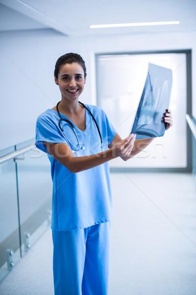 Femminile chirurgo Xray ospedale donna Foto d'archivio © wavebreak_media