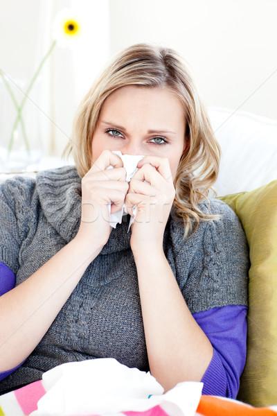 Beteg nő papírzsebkendő ül kanapé otthon Stock fotó © wavebreak_media
