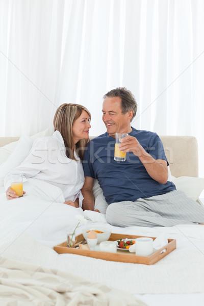 Сток-фото: пару · завтрак · кровать · домой · женщину · счастливым