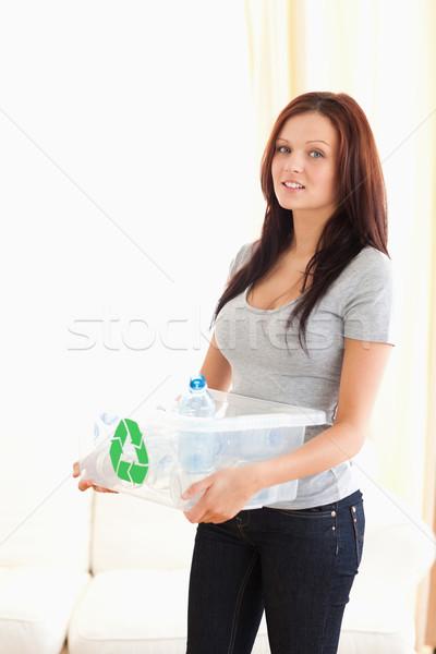 Kadın geri dönüşüm kutu temizlemek Stok fotoğraf © wavebreak_media