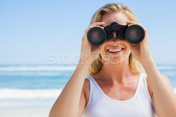 Szőke nő néz látcső tengerpart napos idő tenger Stock fotó © wavebreak_media