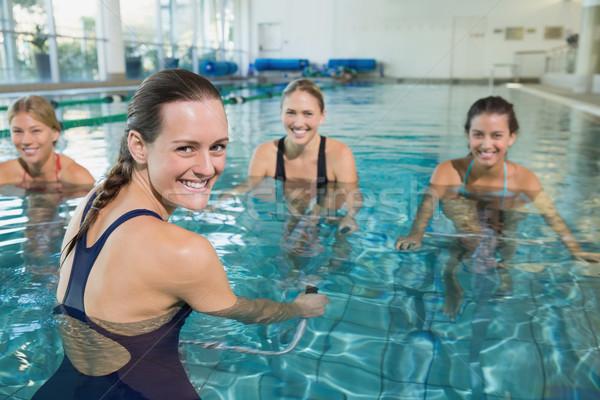 женщины фитнес класс аэробика осуществлять Сток-фото © wavebreak_media