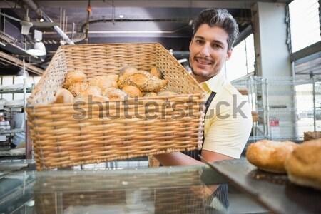 портрет счастливым работник корзины хлеб Сток-фото © wavebreak_media