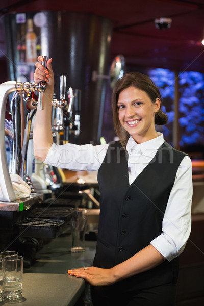 Feliz quartilho cerveja bar beber Foto stock © wavebreak_media