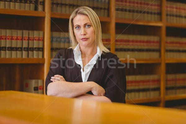 Sério advogado olhando câmera biblioteca Foto stock © wavebreak_media