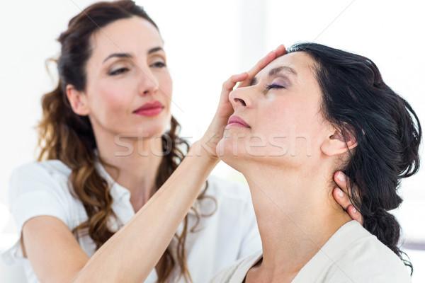 Terapist hasta beyaz yardım kafa kadın Stok fotoğraf © wavebreak_media