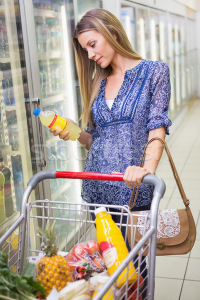 Foto stock: Bastante · sorridente · mulher · loira · compra · limonada · supermercado