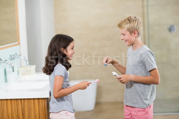 Testvérek egyéb fogmosás fürdőszoba otthon ital Stock fotó © wavebreak_media