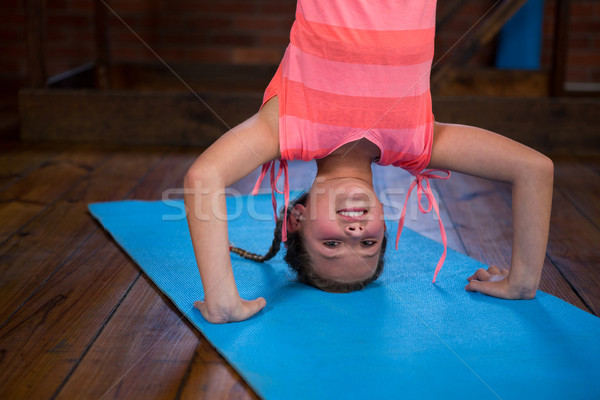 Feliz realizar fitness estudio nina Foto stock © wavebreak_media
