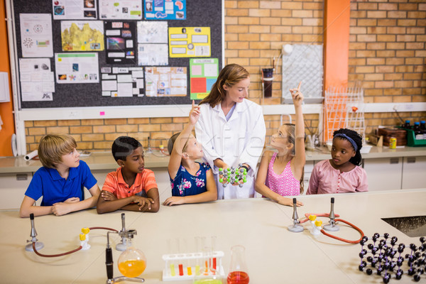 Insegnante lezione studenti scuola donna ragazza Foto d'archivio © wavebreak_media
