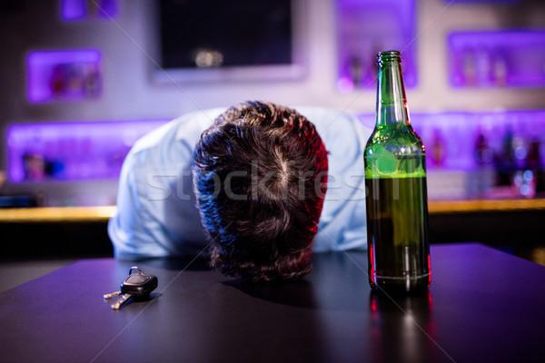 落ち込んで 酔っ 男 寝 頭 表 ストックフォト © wavebreak_media