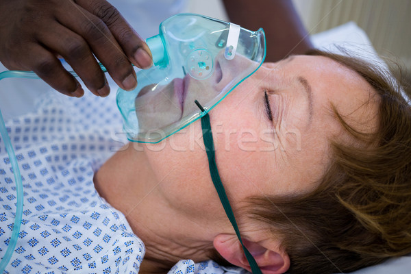 Nővér oxigénmaszk arc beteg kórház nő Stock fotó © wavebreak_media