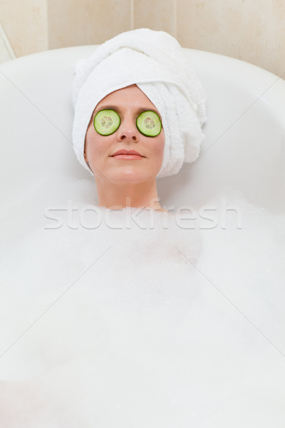 Femme bain serviette tête Photo stock © wavebreak_media