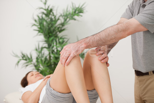 Paisible patient jambes chambre mains homme Photo stock © wavebreak_media