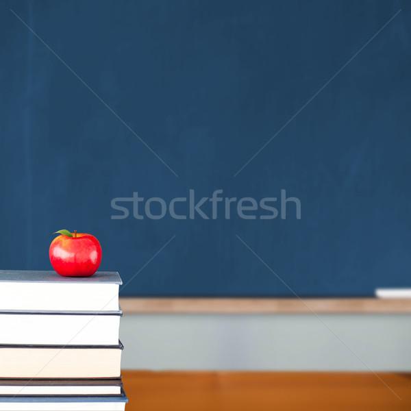 Manzana roja libros aula espacio de la copia rojo Foto stock © wavebreak_media
