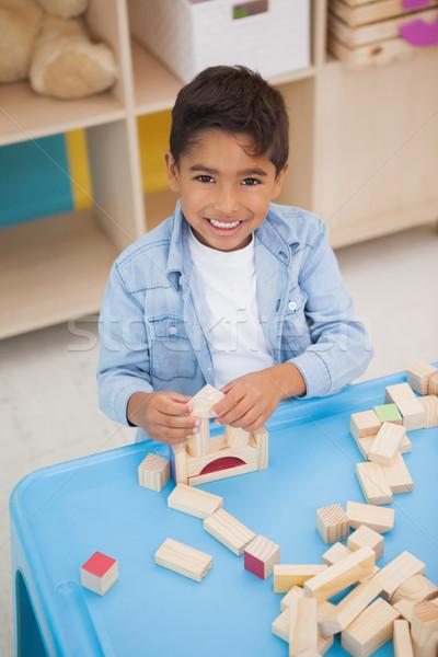 Cute piccolo ragazzo giocare blocchi Foto d'archivio © wavebreak_media