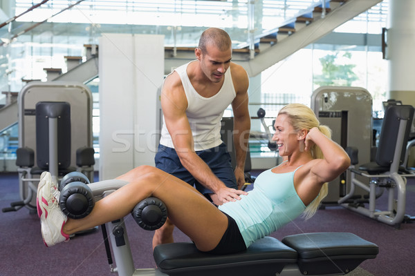 Férfi edző nő abdominális tornaterem oldalnézet Stock fotó © wavebreak_media