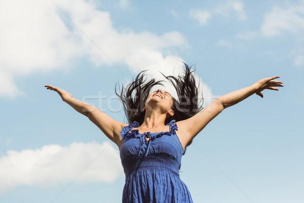 Csinos barna hajú kék ruha érzés szabad Stock fotó © wavebreak_media