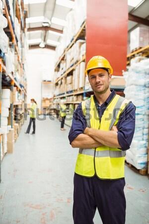 Halle Arbeitnehmer sprechen Telefon halten Zwischenablage Stock foto © wavebreak_media