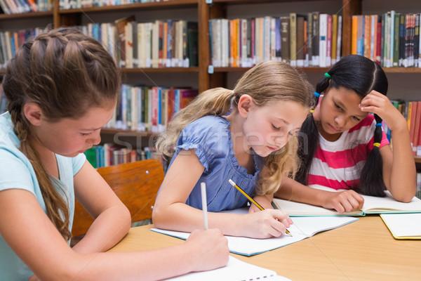 Cute leerlingen tekening bibliotheek meisje Stockfoto © wavebreak_media