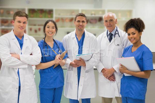 Stok fotoğraf: Tıbbi · profesör · gülen · kamera · Öğrenciler · üniversite
