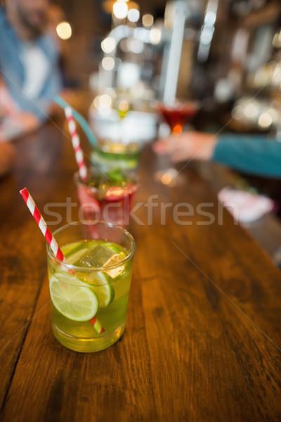 Ver bebidas contrariar bar comida Foto stock © wavebreak_media