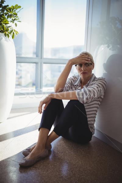 肖像 悲しい 執行 座って 階 オフィス ストックフォト © wavebreak_media