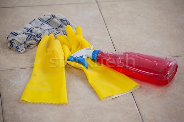 Detergente spray bottiglia guanto panno piastrelle Foto d'archivio © wavebreak_media