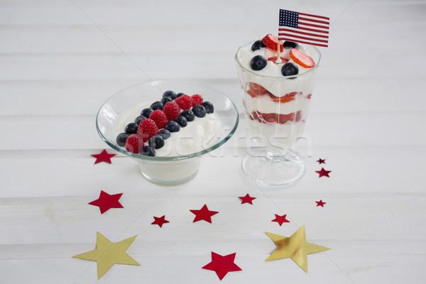 Vruchten ijs houten tafel glas tabel Stockfoto © wavebreak_media