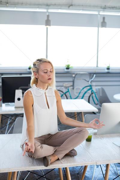 Сток-фото: женщины · йога · служба · столе · компьютер