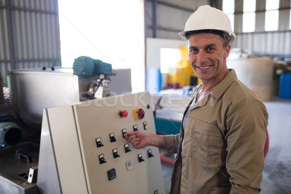 Portret gelukkig technicus machine olie fabriek Stockfoto © wavebreak_media
