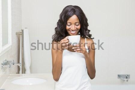Bere caffè ritratto bagno felice Foto d'archivio © wavebreak_media