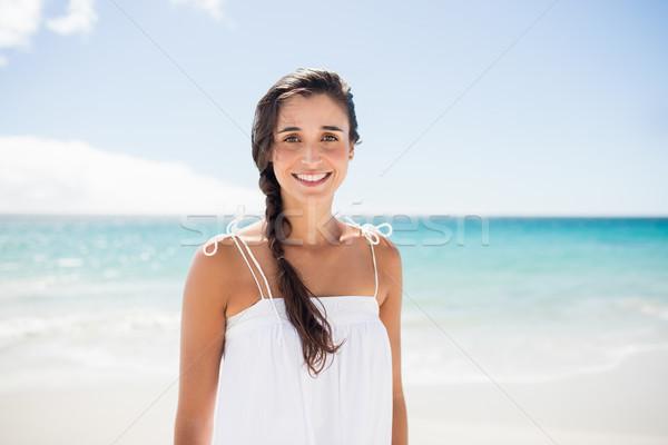 Retrato mujer sonriente playa mujer agua Foto stock © wavebreak_media