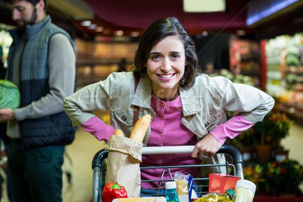 Portret uśmiechnięta kobieta organiczny sekcja supermarket Zdjęcia stock © wavebreak_media