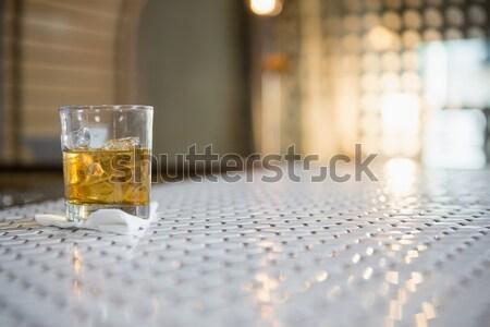 Glas whisky bar counter ijs tabel Stockfoto © wavebreak_media