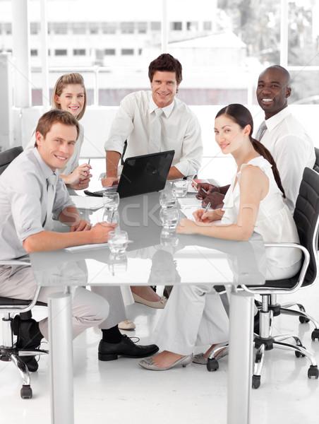 小さな ビジネスチーム 作業 ビジネス コンピュータ オフィス ストックフォト © wavebreak_media