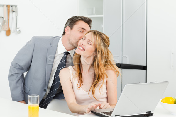 ビジネスマン キス ガールフレンド ホーム 女性 家 ストックフォト © wavebreak_media
