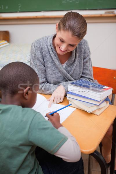 Portré tanár magyaráz valami osztályterem nő Stock fotó © wavebreak_media