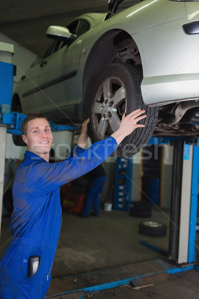 車 油圧 リフト メカニック 調べる タイヤ ストックフォト © wavebreak_media