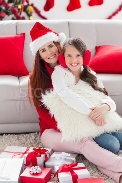 Mutter Tochter lächelnd Kamera home Stock foto © wavebreak_media