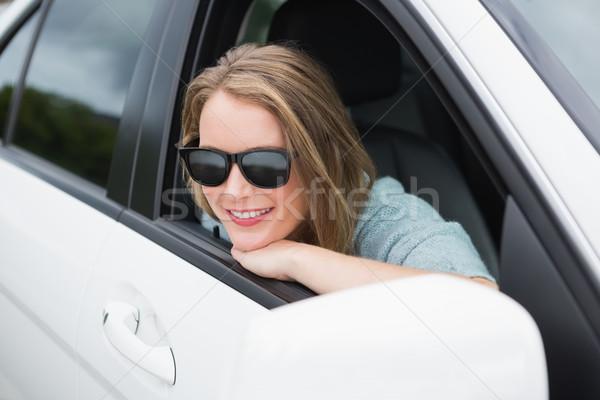 Gelukkig vrouw zitting auto venster vervoer Stockfoto © wavebreak_media