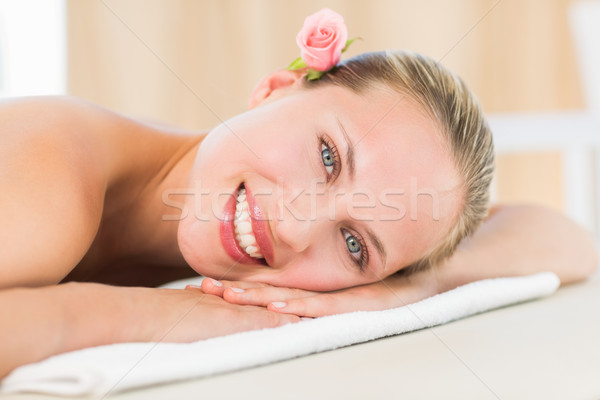 Pacifica asciugamano sorridere fotocamera Foto d'archivio © wavebreak_media