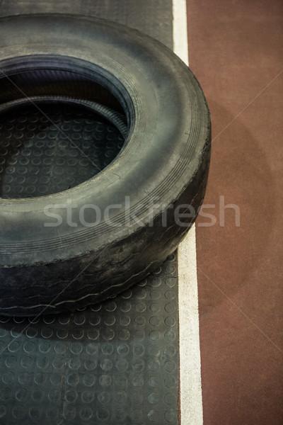 Lastik yarış pisti crossfit spor salonu uygunluk yarış Stok fotoğraf © wavebreak_media