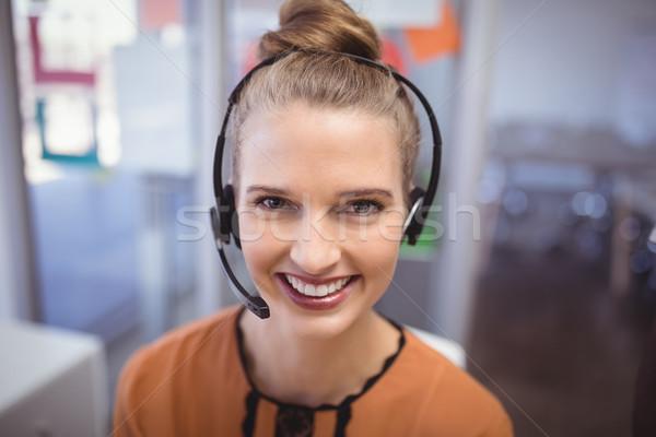 肖像 笑みを浮かべて 顧客サービス 代表 オフィス ストックフォト © wavebreak_media