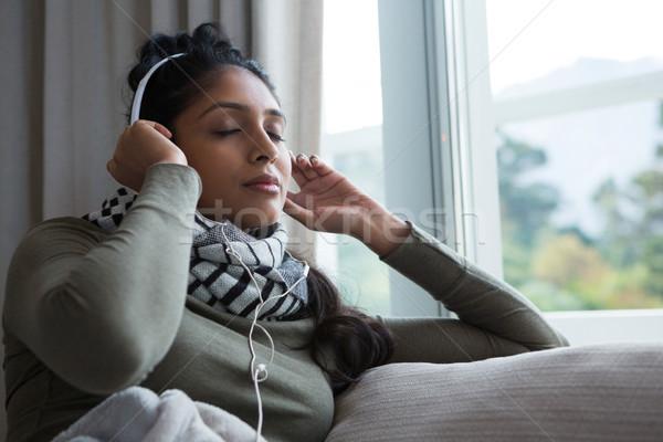 Nyugodt nő zenét hallgat ablak otthon zene Stock fotó © wavebreak_media